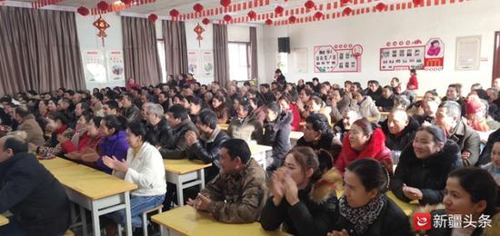 """新疆大地上有无数个""""李书记"""""""