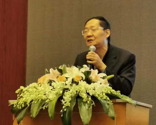 """诸玄识教授在首届中国国际前沿教育高峰论坛上做""""西方文明起源于中国""""演讲"""