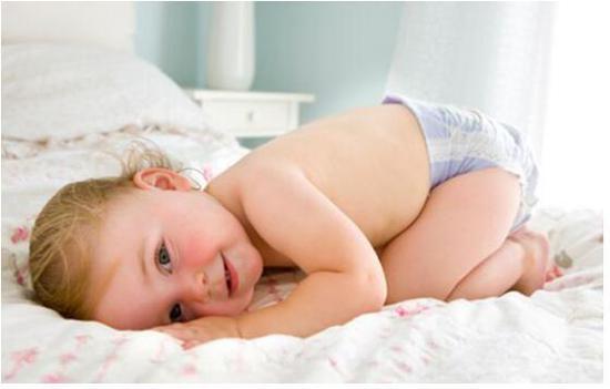 欧瑞家提醒你,给宝宝选购痱子粉要注意这些误区