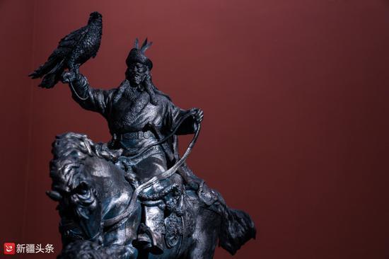 雕塑作品:《摇撼的记忆》