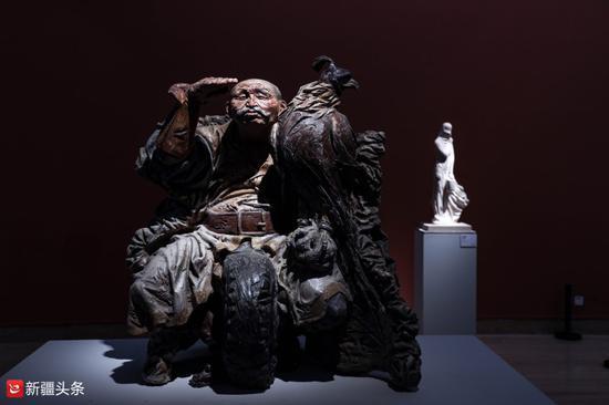雕塑作品:《草原守望者》
