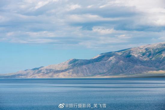 赛里木湖风光。笑飞雪/摄
