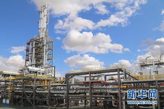 新疆油田克拉美丽气田井口累计产量突破100亿立方米