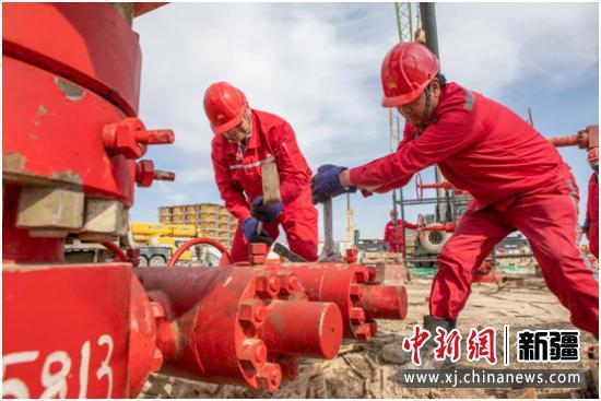 新疆油田页岩油首批自主产能井压裂高质量完成