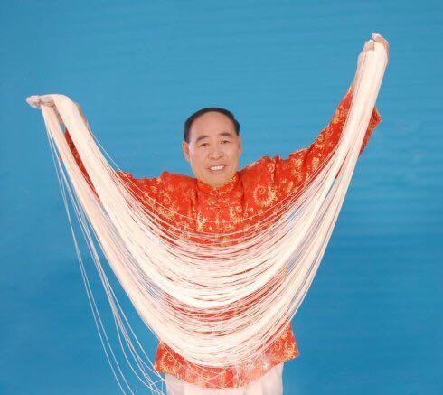 吉尼斯世界名人厉恩海于北京收中华水芹面创始人程从银为徒弟