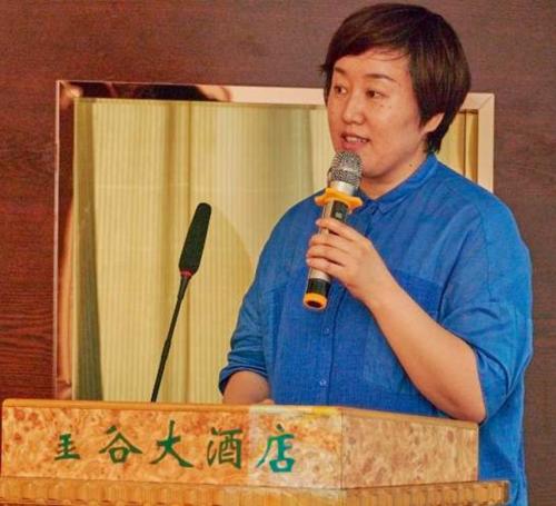 新疆广播电视局新闻部主任王乐巧