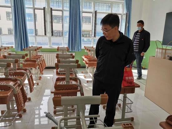 沙雅县委书记秦研科到新建学校实地调研开学开园前准备情况