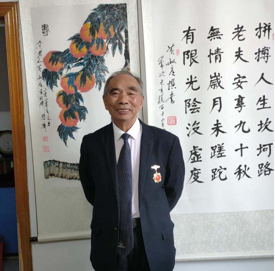 当代书画名家——黄叔庭 范曾作品鉴赏