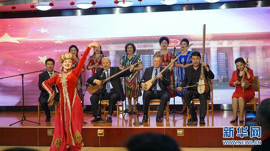 新疆维吾尔自治区文化和旅游厅开展庆祝建党100周年民族团结联