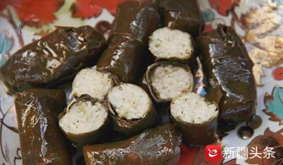新疆黄金叶子食品有限公司出口的葡萄叶加工的朵玛。
