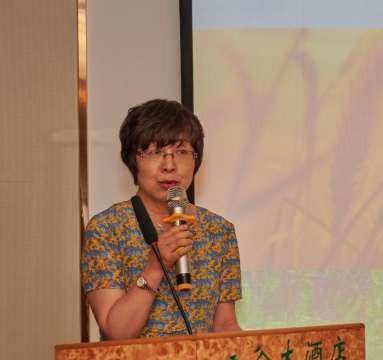 营养专家、新疆医科大营养科主任  李莉