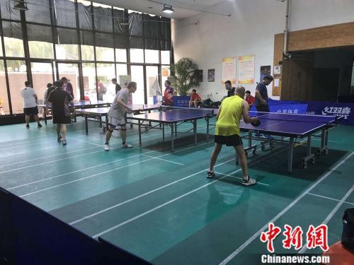 资料图:场馆通道改建的乒乓球馆。图片来源:北京市朝阳体育馆供图。