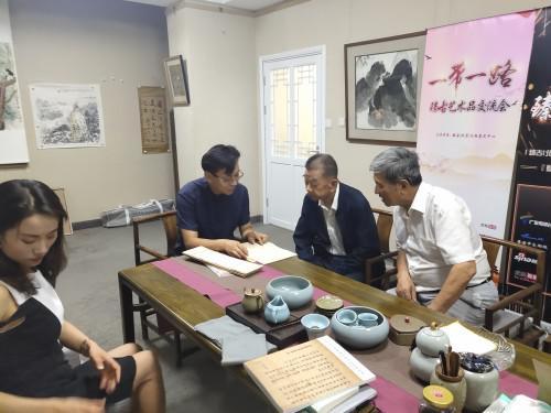 国家民委副主任李晋有参观臻古文物展