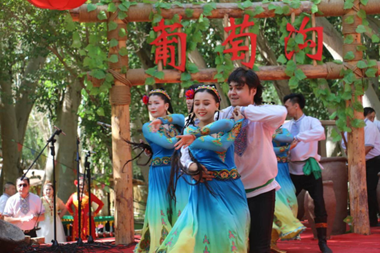 新疆非物质文化遗产周开幕 全方位展示新疆非物质文化遗产保护