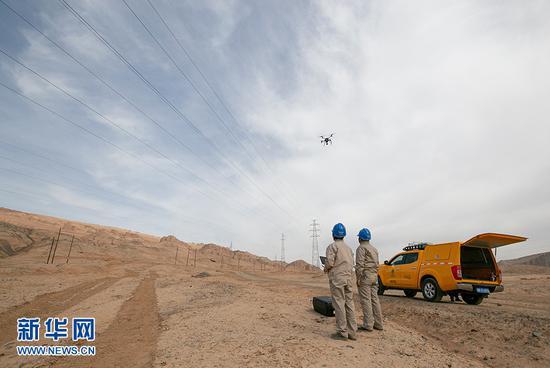 确保元宵节电力供应 国网吐鲁番供电公司开展新年第一检