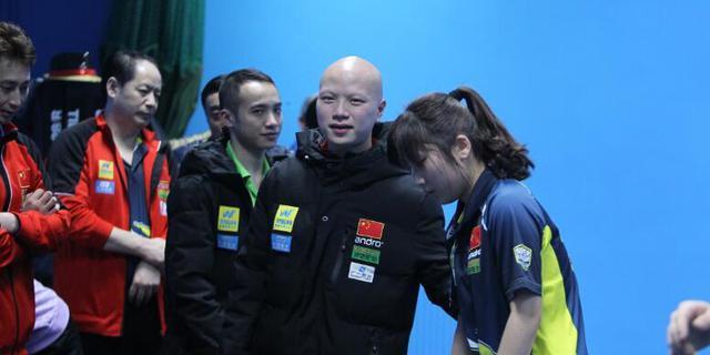 在1/8决赛中,经验缺乏的徐晓彤大比分1:2不敌德国选手Neils,止步16强。