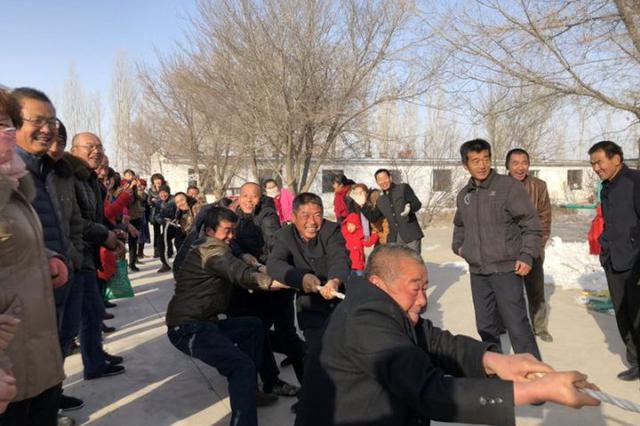 奇台县:工作队组织运动会 村民比拼乐开怀