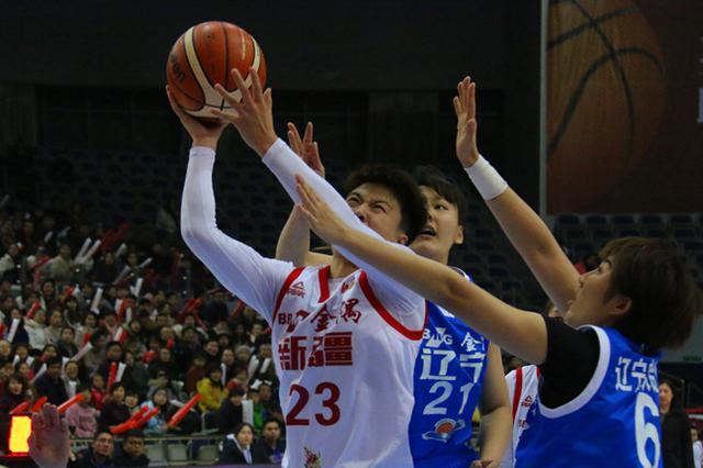 11连胜!新疆女篮以15胜4负的战绩位居联赛排名榜第四