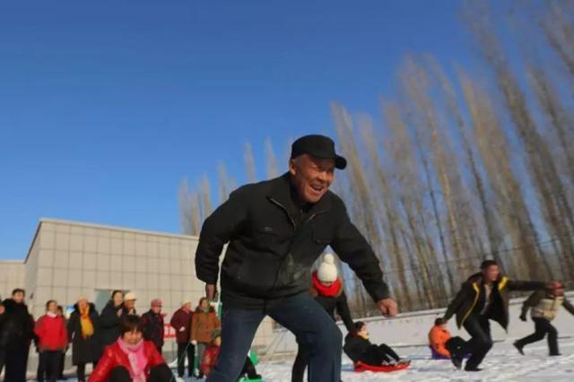 农闲期新疆乡村好热闹,科技培训、运动健身、勤学手艺
