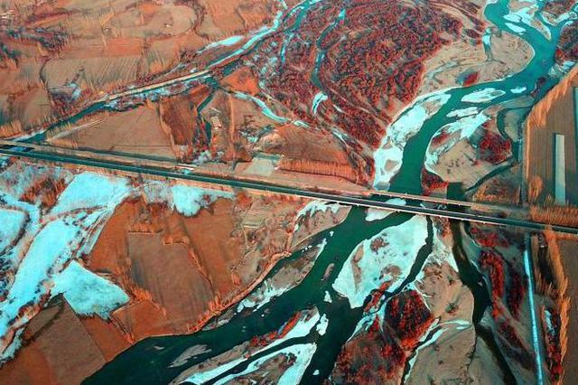 冬游新疆 大河大湖别样壮丽别样美