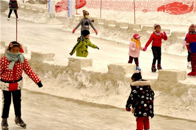 """过寒假,乌鲁木齐中小学生找到""""六种感觉"""""""