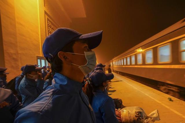 新疆:转移就业 助力脱贫