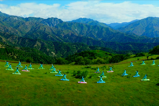 【线上游霍城】当太极和瑜伽遇上直播 沉稳美丽 瞬间绽放