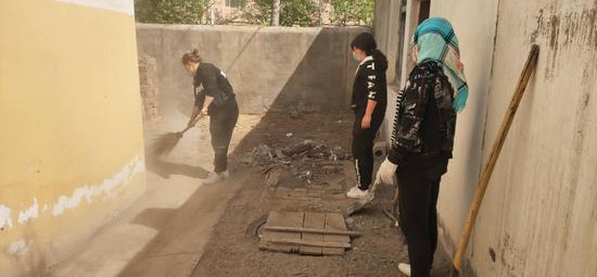 清理小区卫生死角提升居民生活品质