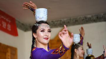 新疆伊犁河谷旅游市场渐暖见闻