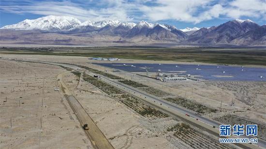 新疆改扩建中巴公路布伦口至红其拉甫段