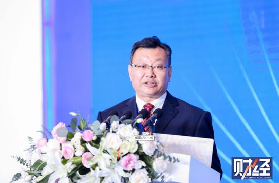 青岛港集团董事长李奉利出席2019中国财富论坛