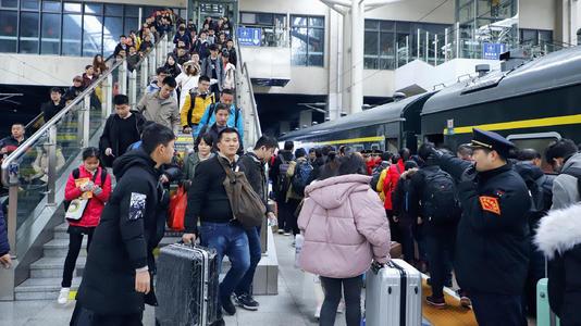云南省鐵路民航春運發送旅客1021.85萬人次
