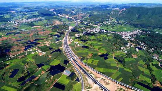 云南129个县实现通高等级公路