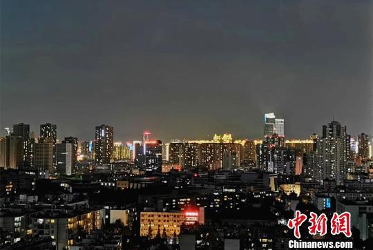 图为云南省昆明市夜景(资料图)。 缪超 摄
