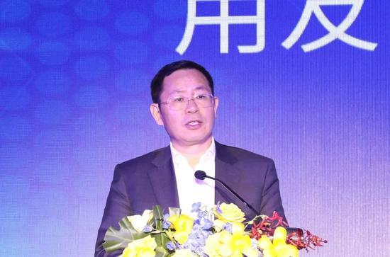 图为用友网络董事长王文京
