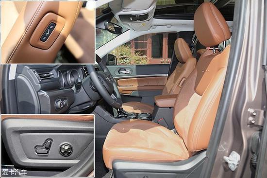 """前排主驾座椅提供电动10向调节功能,副驾座椅设置了""""老板键"""",NAPPA和麂皮的双料皮质能够为座椅提供非常出色的质感。"""