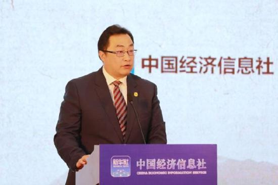 图为云南国际咖啡交易中心总经理舒洋在新华·云南(普洱)咖啡价格指数发布会上发言