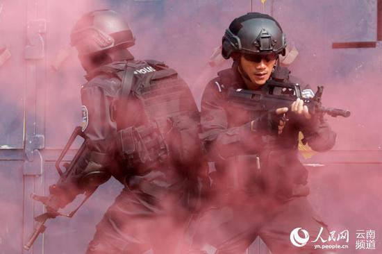 超燃!新型警用装备亮相云南省举行全警实战大练兵