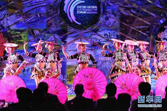 """""""认识云南""""专场活动上的舞蹈表演。(新华网 张翼鹏 摄)"""