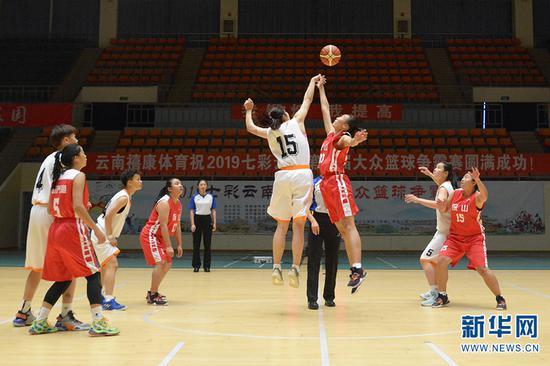 女子组总决赛第二场比赛现场。新华网 徐华陵 摄