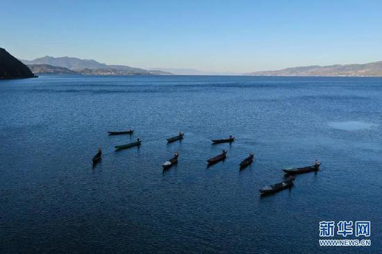 抚仙湖(摄于8月9日)。新华网发(供图)
