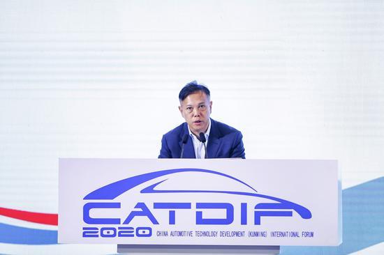 云南省工业和信息化厅党组书记、厅长洪正华