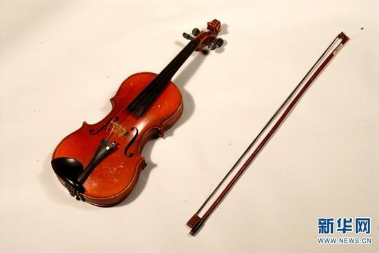 聂耳小提琴。(云南省博物馆供图)