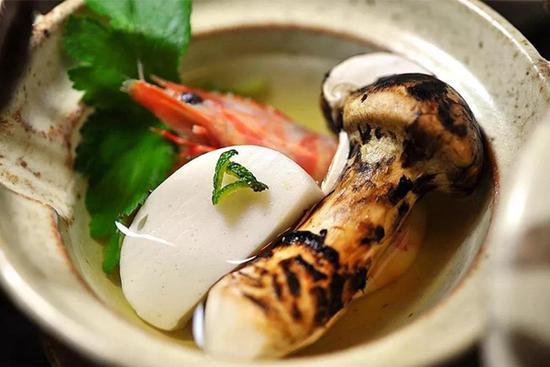 松茸汤 品尝清新自然的健康味道