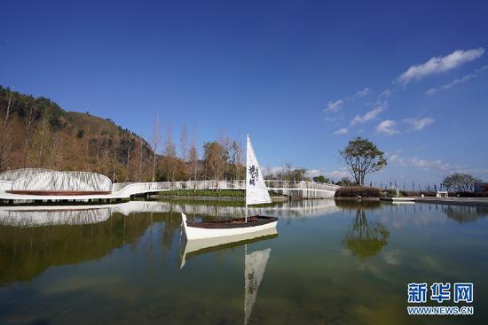 龙湖抚仙湖·星空小镇(摄于8月9日)。新华网发(供图)