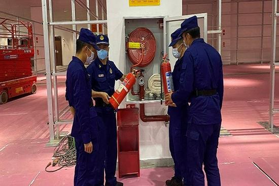 消防安全检查。昆明消防供图
