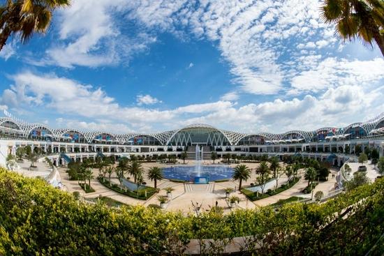 ↑这是昆明滇池国际会展中心(资料照片)。 新华社记者 江文耀 摄