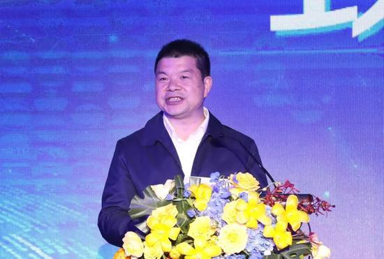 图为云南省人民政府国有资产监督管理委员会党委委员、副主任 刘成志