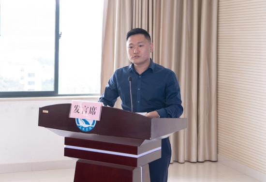 用人单位发言 通讯员冯靖凯/摄