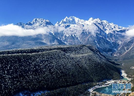 玉龙雪山雪景(2021年1月13日摄)。新华网发(和学乾 摄)